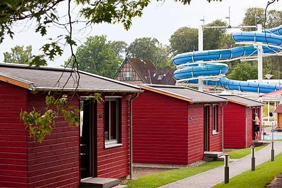 Hüttendorf im Schwimmzentrum